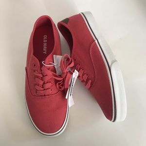 Men's Old Navy red canvas lace up sneakers NEW